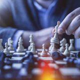 ランチェスター戦略とは?ランチェスターの法則を応用した経営戦略理論について解説します